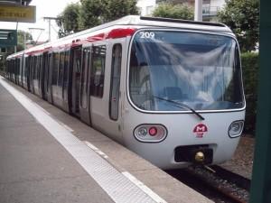 Image montrant une rame du métro du réseau de transport en commun de la ville de Lyon